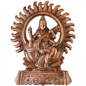 статуэтка Сарасвати на троне, 28 см