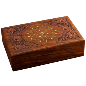 деревянная резная шкатулка с инкрустацией Атма 30х20 см